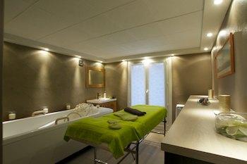 soin enveloppement énergétique et massage chinois, photo balnéo Annie